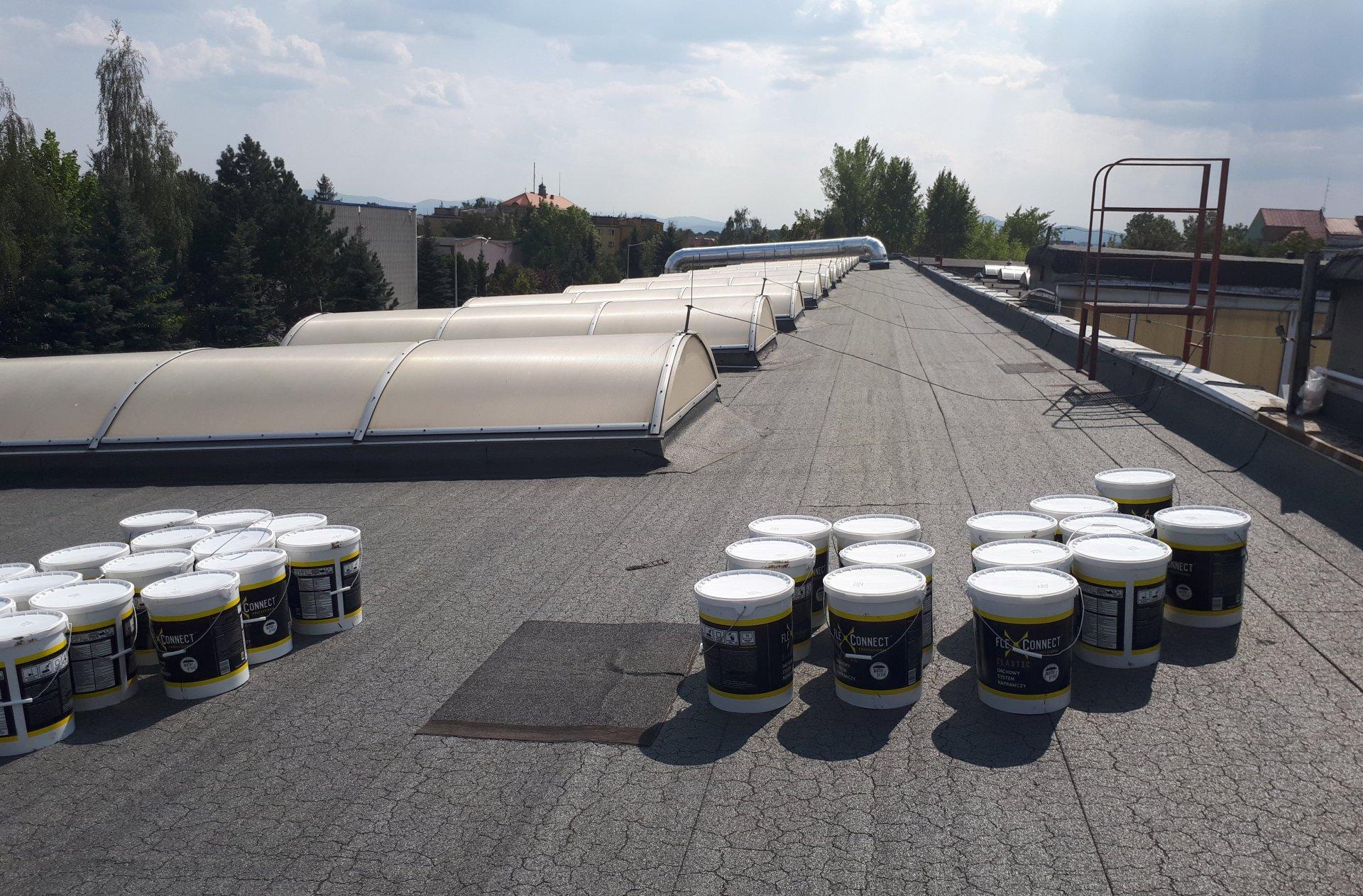bezspoinowa renowacja dachu papowego