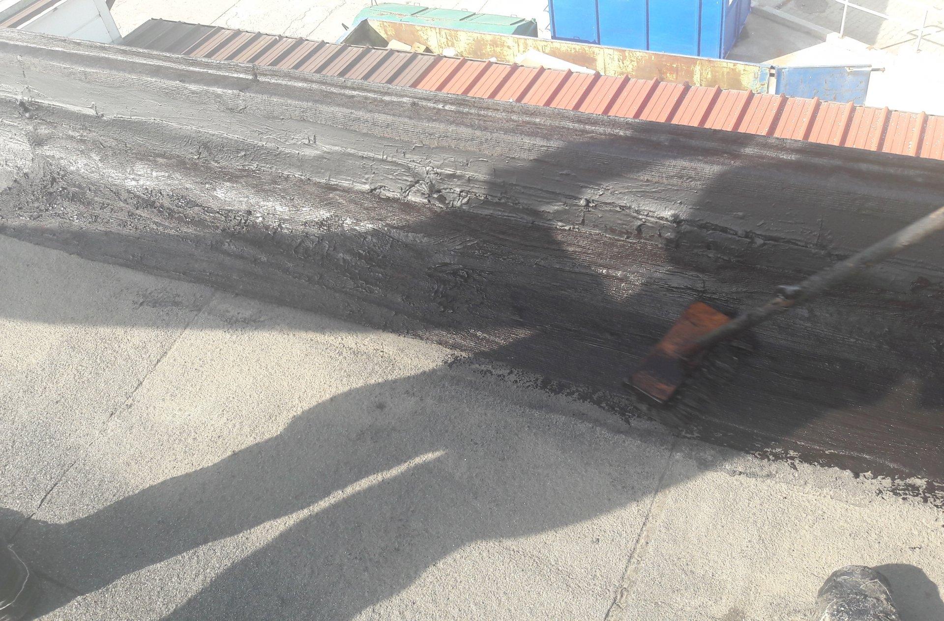 gruntowanie powierzchni,poktycie dachowe bitumiczne