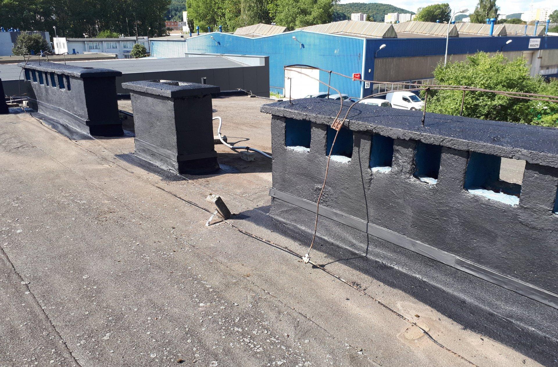 Gruntowanie podłoża dachu