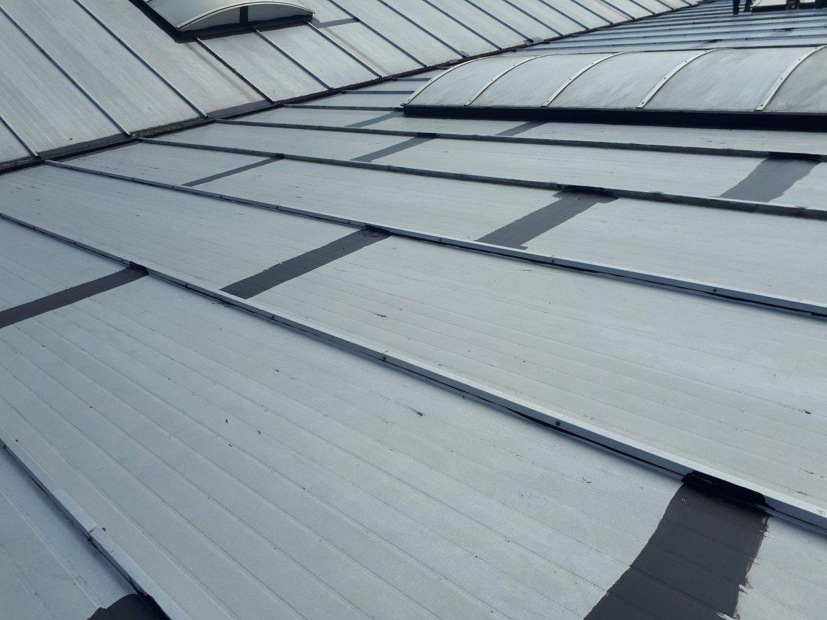 Naprawy dachów z blachy