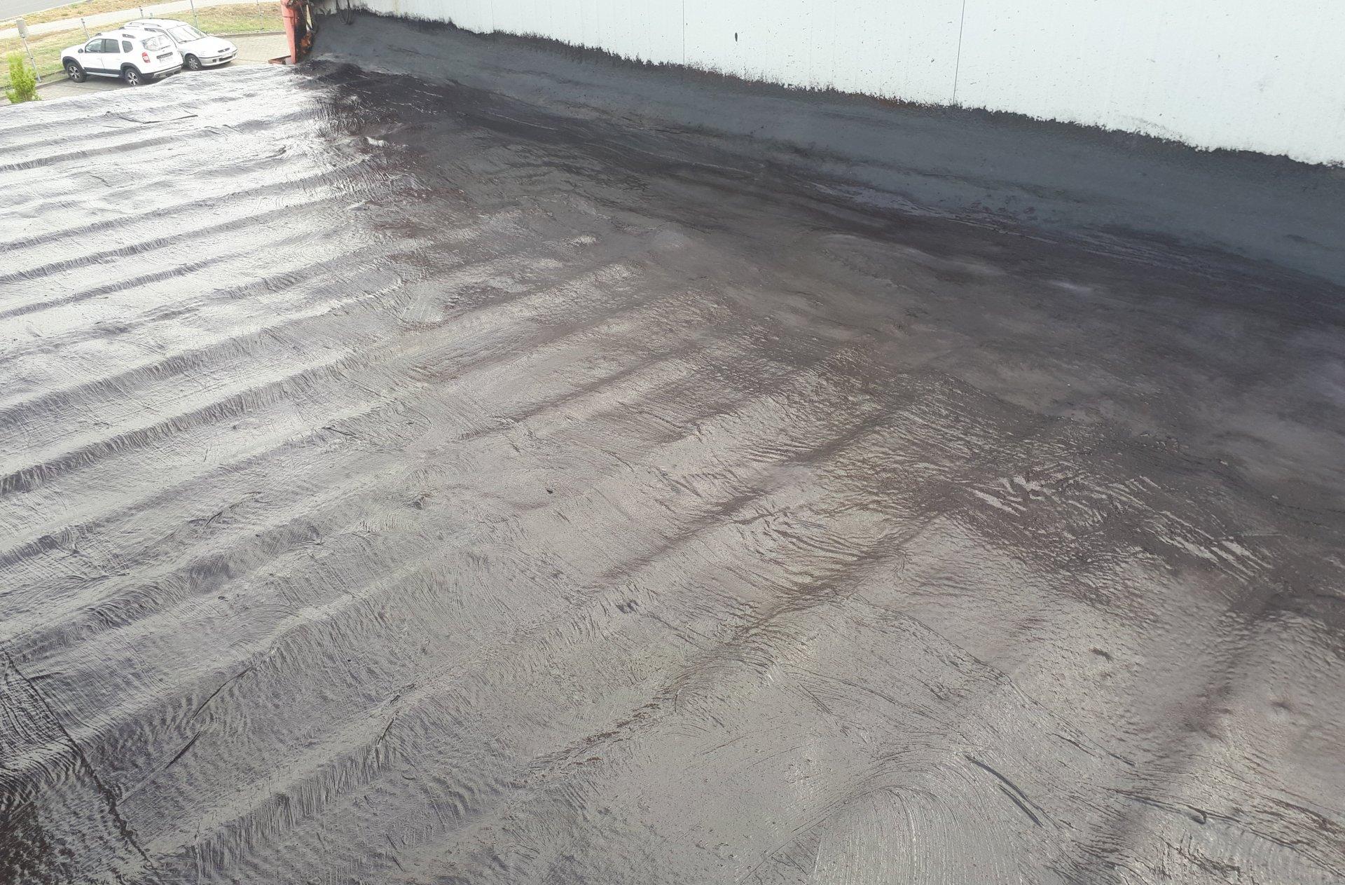 gruntowanie powierzchni dachu