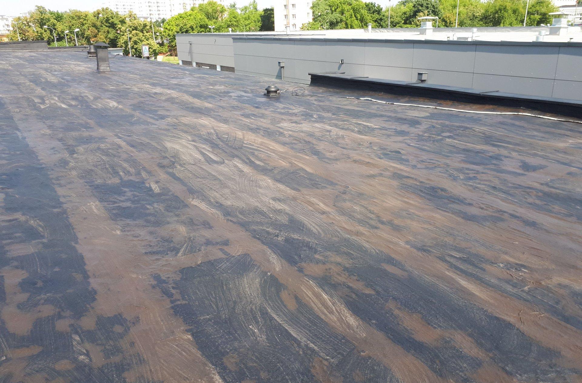 remont dachu płaskiego pokrytego papą